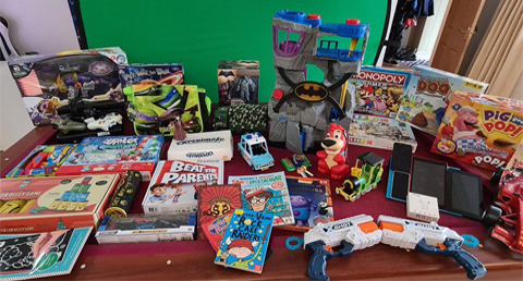 Communities work together to get toys for struggling families this Christmas